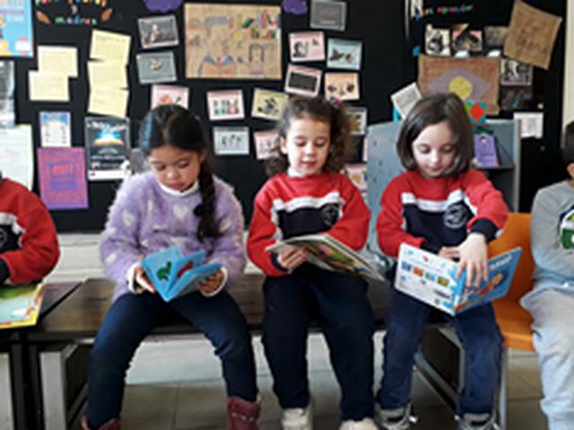 Visita biblioteca de Santiago